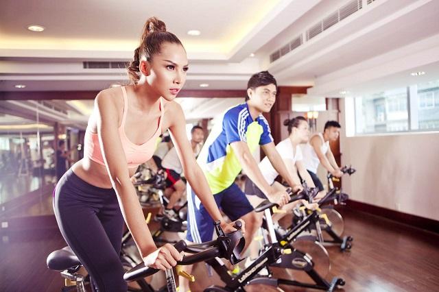 Đạp xe giúp giảm mỡ bụng hiệu quả an toàn nhất