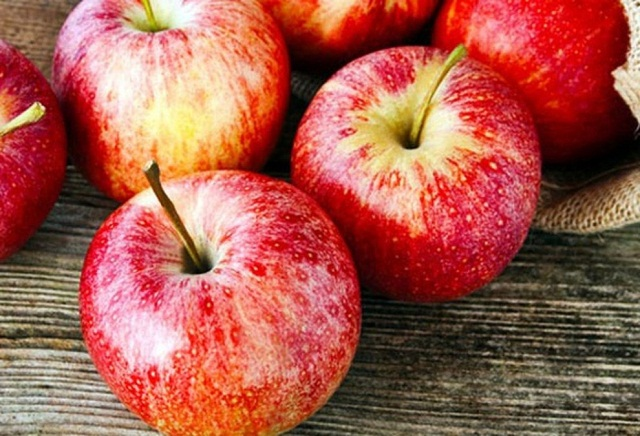 Eating apples helps reduce belly fat effectively